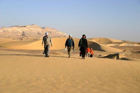 Wanderung in den Dünen von Kharga